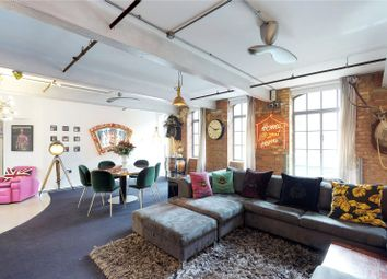 Thumbnail 3 bedroom flat to rent in Richmond Mews, London