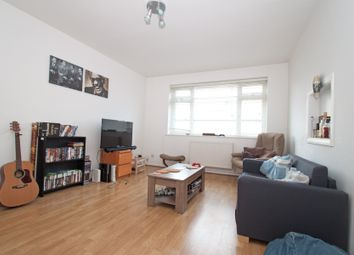 Thumbnail 2 bedroom flat to rent in High Road, New Southgate
