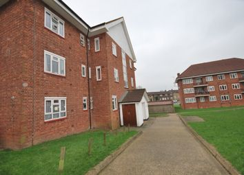 Thumbnail 3 bed flat to rent in Elmhurst Crescent N2,