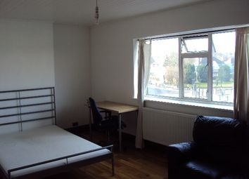 Thumbnail Room to rent in Brownlow Road, Bounds Green