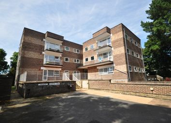 Thumbnail 2 bed flat to rent in Hawthorn Close, Horsham