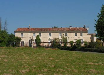 Thumbnail 4 bed country house for sale in Jonzac, Léoville, Jonzac, Charente-Maritime, Poitou-Charentes, France