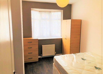Thumbnail Room to rent in Craven Gardens, London