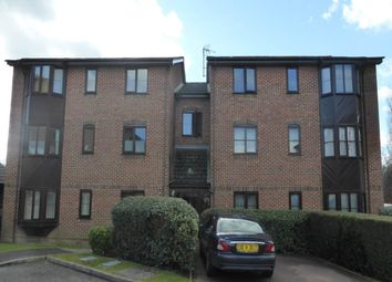 2 bed flat to rent in Poets Chase, Aylesbury HP21
