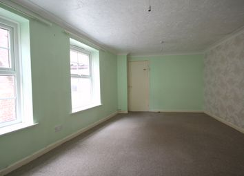 Thumbnail 2 bed flat to rent in West Street, Cromer