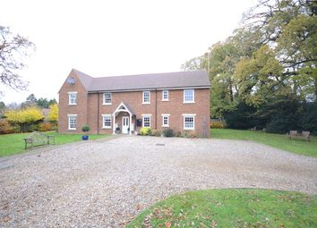Thumbnail 2 bedroom flat for sale in Wood Green, Woodcote, Reading