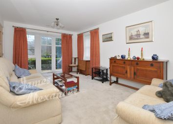 2 bed flat for sale in Addington Road, Selsdon, South Croydon CR2