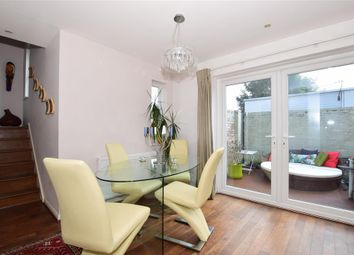 Thumbnail 2 bed town house for sale in Radnor Walk, Shirley, Surrey