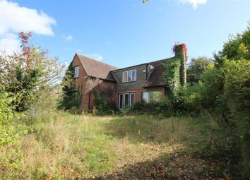 Thumbnail 5 bed detached house for sale in Downs Close, Harwell, Didcot
