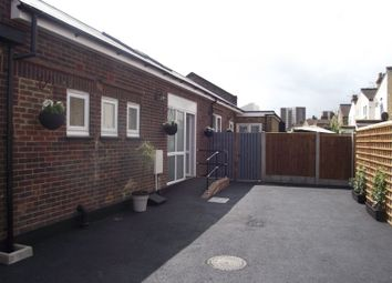 Thumbnail 2 bedroom mews house for sale in North Avenue, Southend-On-Sea
