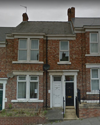 Thumbnail 1 bed flat to rent in Whitehall Road, Bensham
