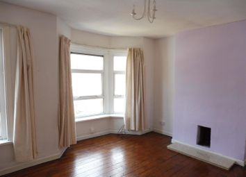 Thumbnail 1 bed flat to rent in Clovelly Road, Southampton