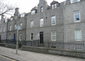 Thumbnail 2 bed flat to rent in King Street, Garden Flat Right