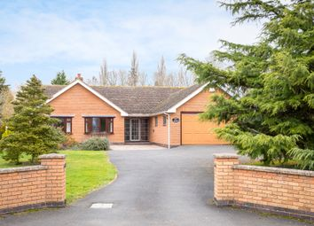 Thumbnail 4 bedroom detached bungalow to rent in Ankerdine Road, Lower Broadheath, Worcester