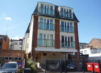 Thumbnail 1 bed flat to rent in Grove Parade, Slough