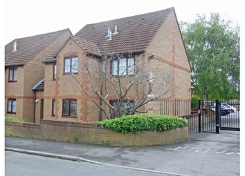 Thumbnail 1 bed flat for sale in Abercromby Avenue, High Wycombe