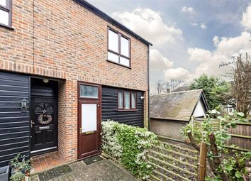 3 bed property for sale in Sycamore Way, Teddington TW11