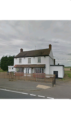Thumbnail Pub/bar for sale in Main Road, Thorney Toll