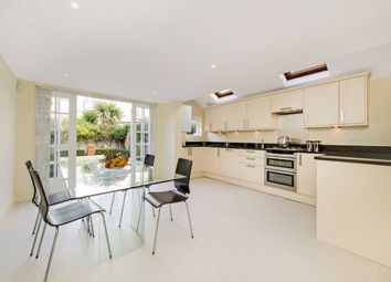 4 bed property to rent in Broughton Road, Fulham, London SW6