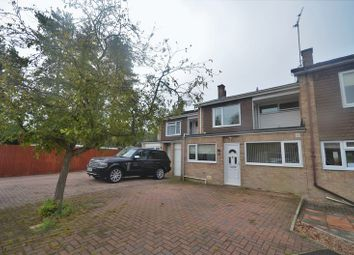 Thumbnail 4 bed semi-detached house to rent in Fiona Close, Winchester