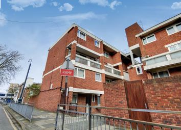 3 bed flat for sale in Plumstead Road, London SE18