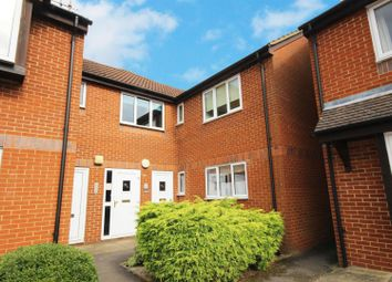 Thumbnail 2 bed flat to rent in Abingdon Close, Thame