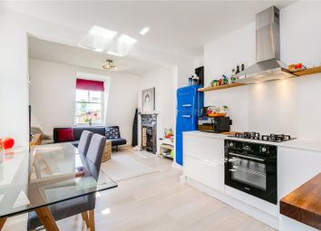 2 bed flat for sale in Vera Road, Fulham, London SW6