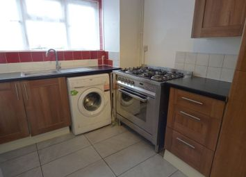 Thumbnail 2 bed flat to rent in Wrythe Lane, Carshalton