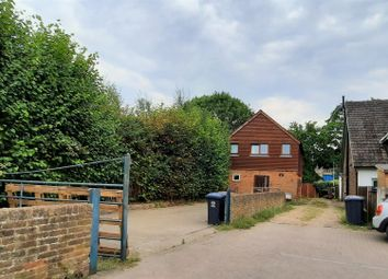 Glenmire Terrace, Stanstead Abbotts, Ware SG12. 2 bed property