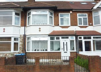3 bed property for sale in Ellanby Crescent, London N18