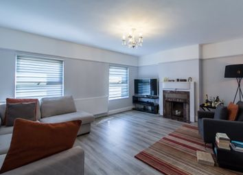Thumbnail 2 bed flat to rent in Daws Lane, Mill Hill