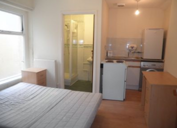 Thumbnail Studio to rent in North Luton Place, Adamsdown, Cardiff