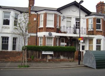 Thumbnail 2 bed flat to rent in Dumbarton Road, Brixton