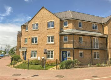 Thumbnail 5 bed town house for sale in Barland Way, Aylesbury