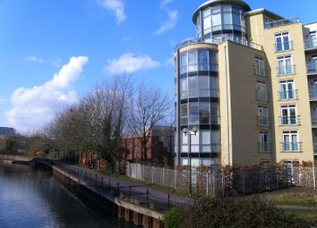 Thumbnail 2 bed flat to rent in The Meridian, Kenavon Drive, Reading