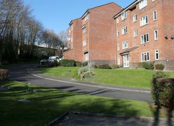 Thumbnail 1 bedroom flat to rent in St. Leonards Park, East Grinstead