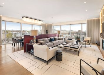 London W8. 3 bed flat for sale