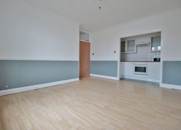 Thumbnail 2 bedroom flat to rent in Oakleigh Road North, Whetstone