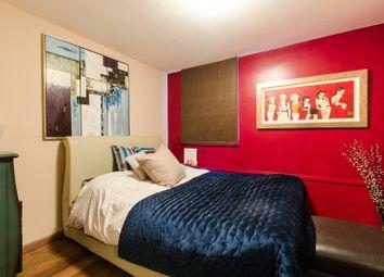Thumbnail 1 bed flat for sale in Cheyne Walk, Chelsea