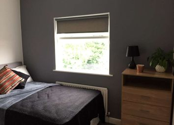 Thumbnail Room to rent in Wilderspool Causeway, Warrington, Cheshire