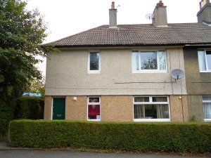 Thumbnail 2 bed flat to rent in Kings Crescent, Rosyth