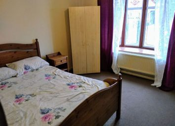Room to rent in Murray Square, London E16