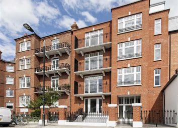 Thumbnail 3 bed flat to rent in Kelvedon Road, London