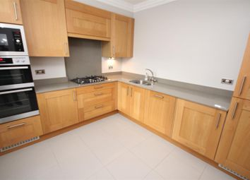 Thumbnail 3 bed flat to rent in Jenner Road, Guildford