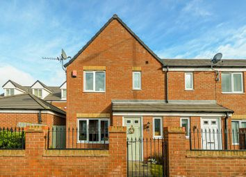 3 bed end terrace house for sale in Rookery View, Barnsley S70