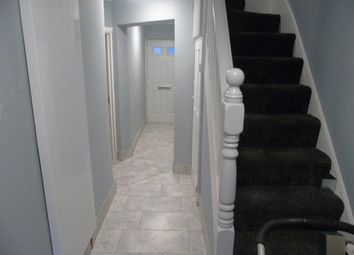 Thumbnail 1 bed flat to rent in Biscot Road, Luton