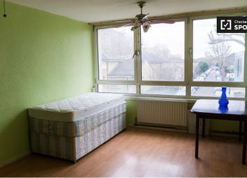 2 bed property to rent in Strafford Street, London E14