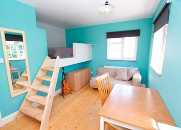 Thumbnail 1 bedroom property to rent in Fortescue Avenue, Twickenham