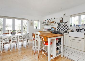 Thumbnail 4 bedroom detached house to rent in High Street, Twyford, Winchester