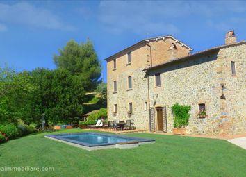 Thumbnail 6 bed farmhouse for sale in Via Garibaldi, Città Della Pieve, Umbria